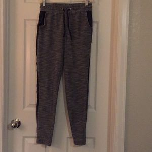 Fancy Jogger tweed look pants with black details